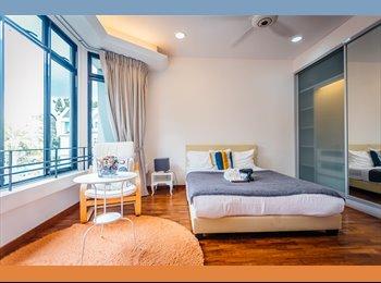 Bright & Spacious Master Room at Kembangan