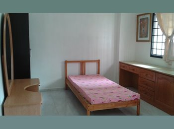 EasyRoommate SG - Tampines Common room for rent.  No agent fees. - Tampines, Singapore - $650 pcm