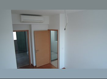 EasyRoommate SG - Spacious Master room in a posh penthouse unit available, 3 mins walk to Simei MRT - Simei, Singapore - $1,500 pcm