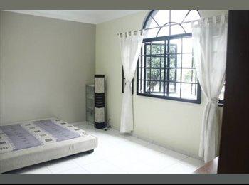 Cosy & Huge Master Bedroom - Landed Property