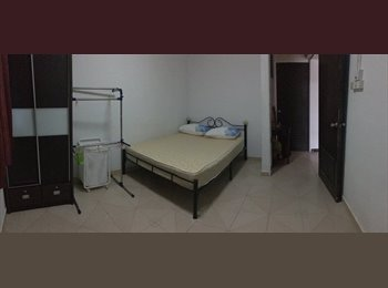 Single Room with Queen Size Bed
