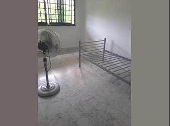 Common bedroom for rent @ 140 Tampines Street 12 ( For...