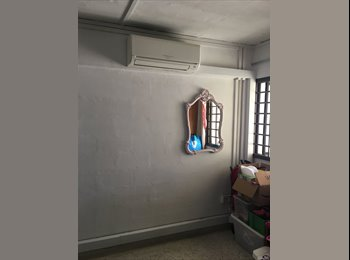 Blk 584 Ang Mo Kio- Masterbedroom for rent. Mins AMK mrt...