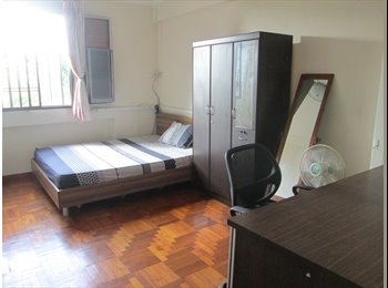 EasyRoommate SG - Common Room at 497F Tampines Exec apt for rent.  Female professional only, Singapore - $750 pcm