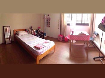 EasyRoommate SG - Master bedroom with bathroom attached, Singapore - $1,000 pcm