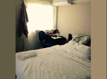 EasyRoommate SG -  Whole Master Bedroom for rent (1K SGD/mo)- Telok Blangah , No Agents Fee, Singapore - $1,000 pcm