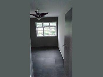 EasyRoommate SG - Common Room For Rent In Telok Blangah. Seeking Female Individual Tenant. , Singapore - $900 pcm