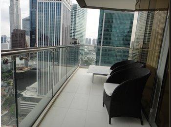Downtown MRT Big Queen Room (One Shenton Way)