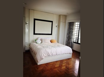 Huge master room 48th Story Condo Tanjong Pager Raffles...