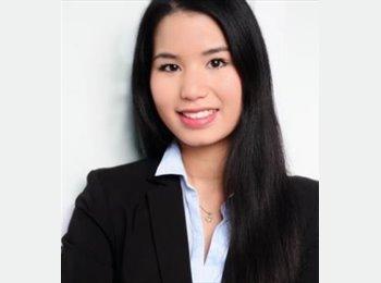 Claudia - 25 - Student