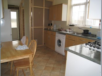 EasyRoommate UK - DOUBLE ROOM's  IN NORTHEND AREA - Portsea, Portsmouth - £368 pcm