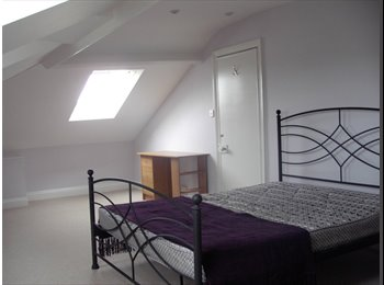 Spacious, Victorian, Attic room (triple) with fantasic...