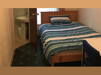 ENSUITE DOUBLE ROOM,ALL BILLS INCLUSIVE!