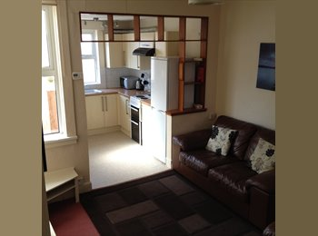 EasyRoommate UK - Student house in a great location with 3 rooms - Derby, Derby - £197 pcm
