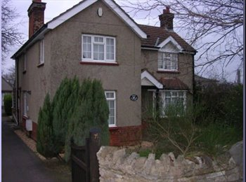 EasyRoommate UK - Professional House Share - Elstow, Bedford - £400 pcm