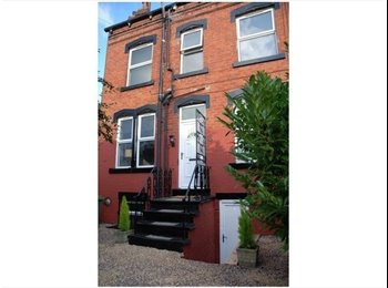 EasyRoommate UK - Newly Refurbished, Canal & Park Side House With Original Features - Armley, Leeds - £335 pcm