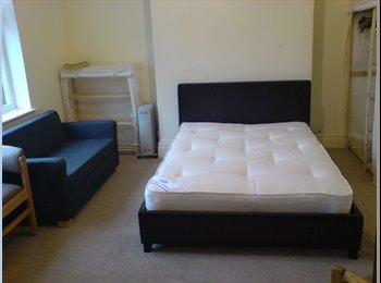 EasyRoommate UK - Central HG. Bedsit with Kitchenette. Shared WC - Harrogate, Harrogate - £350 pcm