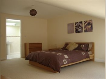EasyRoommate UK - Large double room with ensuite available in Newark, Newark - £440 pcm