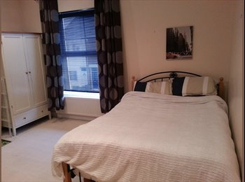 EasyRoommate UK -    double room , chesterfield, Chesterfield - £340 pcm