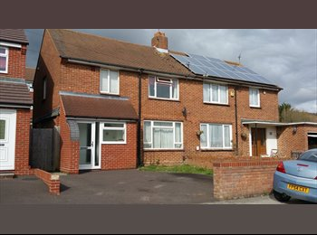 EasyRoommate UK - Large Semi  with 3 double rooms and 1 single - Cosham, Portsmouth - £336 pcm