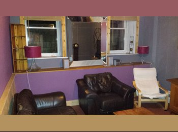 Comfortable 3 bed flatshare in west end, parking