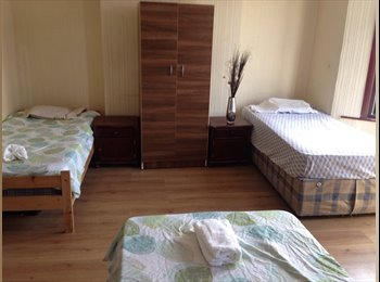 TRIPLE ROOM for friends - All bills included!!