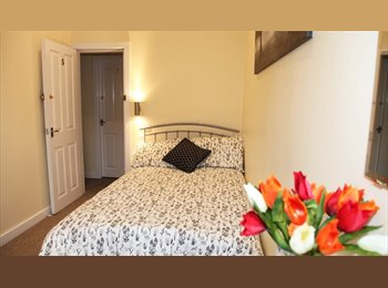 EasyRoommate UK - TOP OF THE RANGE ROOMS CHESTER CENTRE, Chester - £425 pcm