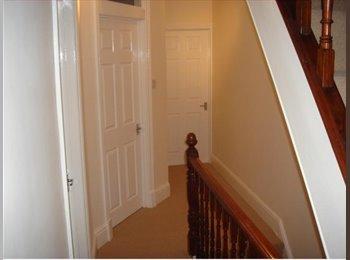 EasyRoommate UK - Last Room Available, Northampton - £325 pcm