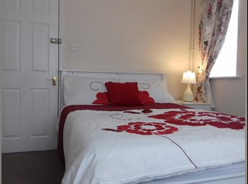 BIG, BRIGHT & BEAUTIFUL DOUBLE ROOM IN NN5 6BA INCLUDES...