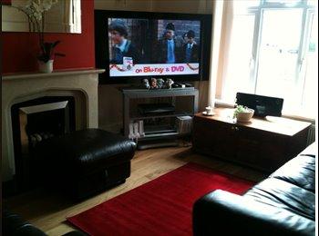 EasyRoommate UK - Double Bedroom for Non-smoker - Fareham/Gosport - Bridgemary, Fareham and Gosport - £400 pcm