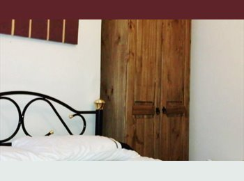 EasyRoommate UK - LARGE DOUBLES IN NORTHAMPTON, NN1 5QJ inc all bills, wifi + weekly maid. , Cliftonville - £480 pcm