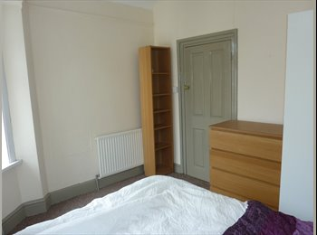 EasyRoommate UK - Available Now Bills Included Room on Laira St. - St Judes, Plymouth - £265 pcm