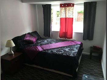 Rooms available near Basildon Town Center, Train Station...
