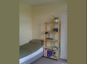 EasyRoommate UK - ROOMS AVAILABLE - Cardonald, Glasgow - £350 pcm
