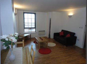 [REF: UQ92] *AVAILABLE NOW - CONTEMPORARY 2 BED APARTMENT,...