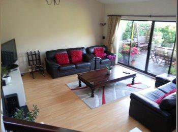 EasyRoommate UK - Mon-Fri, Large Room, Lychpit, Basingstoke - Chineham, Basingstoke and Deane - £400 pcm