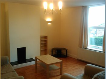 EasyRoommate UK - Double room to let in Harrogate - Professional  - Non Smoker - Harrogate, Harrogate - £420 pcm