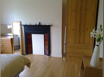 EasyRoommate UK - LARGE FURNISHED DOUBLE ROOM  - Mitcham, London - £500 pcm