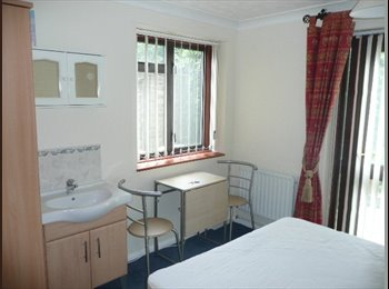 EasyRoommate UK - All Bills Included, 5 Minutes to Stansted Airport - Bishop's Stortford, Bishop's Stortford - £395 pcm