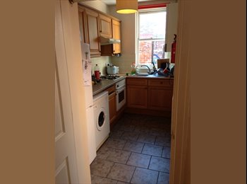 EasyRoommate UK - Great 3 way prf share centre of the city, Chester - £340 pcm