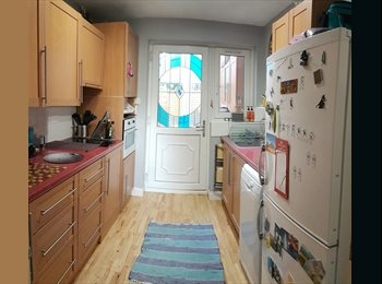 Single room in spacious house with parking all inc...