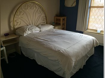 EasyRoommate UK - double room to let in Rotherham  - Brinsworth, Rotherham - £320 pcm