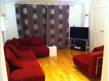 EasyRoommate UK -  LARGE DOUBLE EN SUITE ROOM WITH MODERN INTERIOR, Portsmouth - £530 pcm