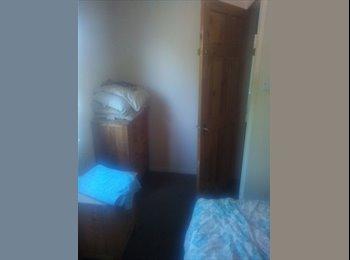 EasyRoommate UK - Single room - Basingstoke, Basingstoke and Deane - £300 pcm