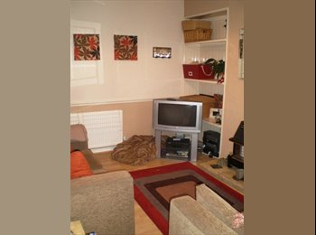 Lovely room available in house near unis/hosp/city