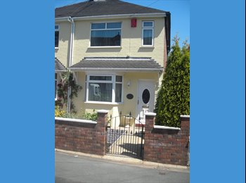 1 BEDROOM AVAILABLE, IDEALLY LOCATED IN PORTHILL
