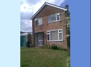 EasyRoommate UK -  Double Room available in High Wycombe - High Wycombe, High Wycombe - £370 pcm