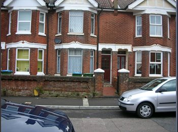 EasyRoommate UK - LARGE double room, Southampton - £466 pcm