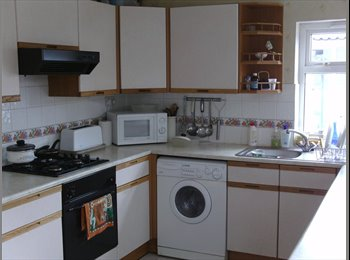 EasyRoommate UK - 2 ROOMS TO LET IN ROATH - Roath, Cardiff - £350 pcm