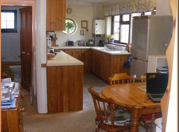 EasyRoommate UK - Single room to let in pleasant rural area - Emsworth, East Hampshire and Havant - £390 pcm